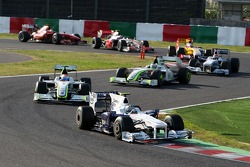 Nick Heidfeld, BMW Sauber F1 Team leads Rubens Barrichello, BrawnGP