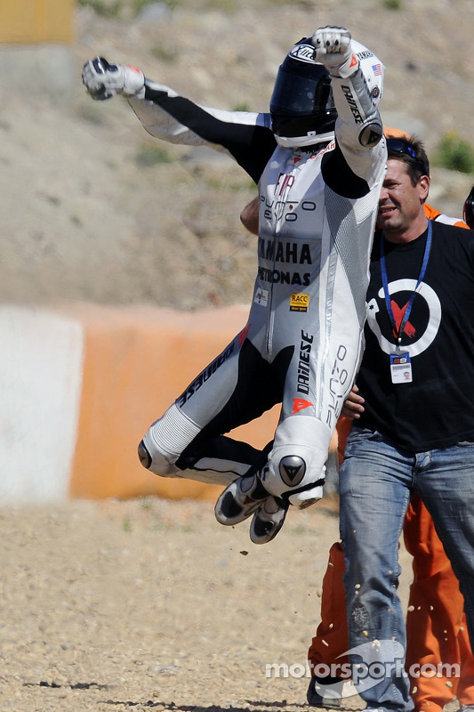 Ganador de la carrera Jorge Lorenzo, Fiat Yamaha Team celebra