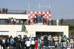 GT1 : victoire de Enrique Bernoldi & Roberto Streit, devan Miguel Ramos & Alex Müller, et pour Bert Longin & James Ruffier