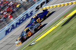David Ragan, Roush Fenway Racing Ford, Joe Nemechek, NEMCO Motorsports Toyota