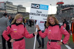 Grid girl de Tom Onslow-Cole
