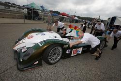 #10 ECO Racing Radical SR9 AER au contrôle