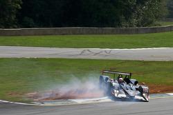 Petite erreur pour le #37 Intersport Racing Lola B06/10 AER: Jon Field, Clint Field