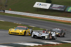 #3 Corvette Racing Chevrolet Corvette C6.R: Johnny O'Connell, Jan Magnussen, Antonio Garcia, #2 Audi