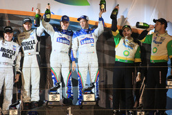P2 podium: class winners Adrian Fernandez and Luis Diaz, second place Greg Pickett and Klaus Graf, third place Butch Leitzinger and Marino Franchitti
