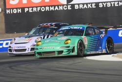 #17 Team Falken Tire Porsche 911 GT3 RSR: Bryan Sellers, Dominic Cicero
