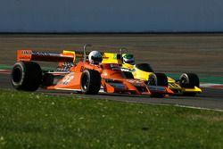 #32 Jeremy Smith Surtees TS20; #16 Richard Barber Fittipaldi F5A