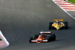#32 Jeremy Smith Surtees TS20; #33 Jean-Michel Martin Fittipaldi F8