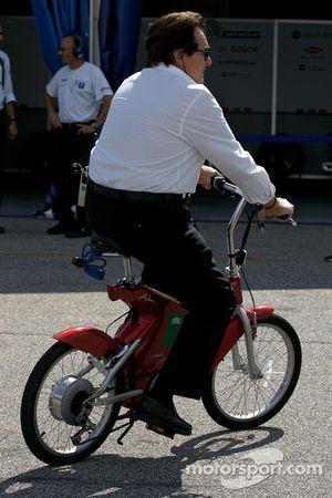 Reinhold Joest sur son vélo