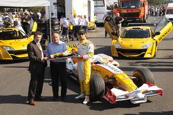 Lucas di Grassi Renault F1 Team