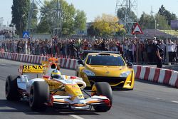 Lucas di Grassi, test driver, Renault F1 Team, and Julien Piguet