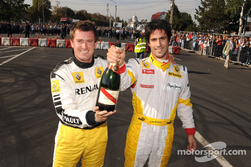 Julien Piguet and Lucas di Grassi, Renault F1 Team