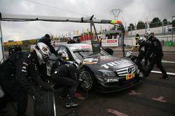 Pit stop for Ralf Schumacher, Team HWA AMG Mercedes AMG Mercedes C-Klasse