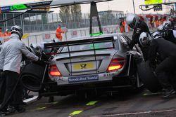 Pit stop for Bruno Spengler, Team HWA AMG Mercedes AMG Mercedes C-Klasse
