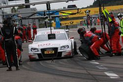 Pit stop for Tom Kristensen, Audi Sport Team Abt Audi A4 DTM
