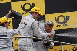 Podium: champagne for Paul di Resta, Team HWA AMG Mercedes C-Klasse, Bruno Spengler, Team HWA AG, AM