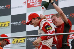 Podium: winnaar Jules Bianchi, ART Grand Prix Dallara F308 Mercedes