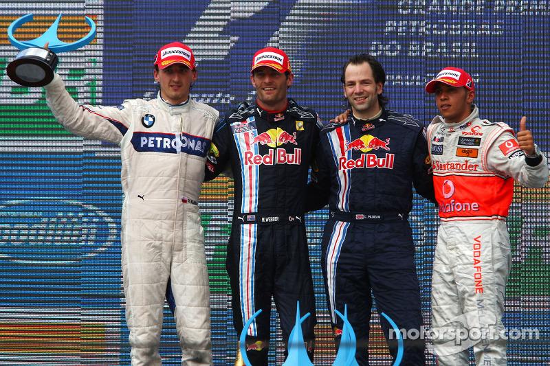 Podium: race winner Mark Webber, Red Bull Racing, second place Robert Kubica, BMW Sauber F1 Team, th