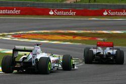 Jenson Button, Brawn GP y Heikki Kovalainen, McLaren Mercedes