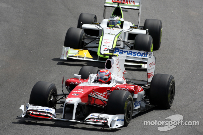 Kamui Kobayashi, Test Driver, Toyota F1 Team y Jenson Button, BrawnGP