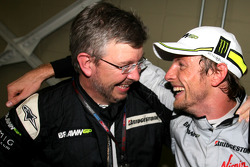 Jenson Button, Brawn GP, und Ross Brawn, Teamchef, Brawn GP