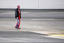 Mark Martin, Hendrick Motorsports Chevrolet inspects the track