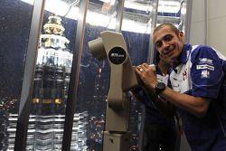 Посещение башен Petronas: Валентино Росси