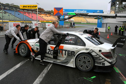 Car of Gary Paffett, Team HWA AMG Mercedes C-Klasse, being pushed back into the pitbox
