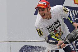 Podio: tercer lugar y Campeón 2009 de MotoGP Valentino Rossi, Fiat Yamaha Team
