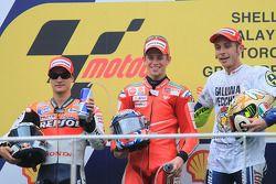 Podio: ganador de la carrera Casey Stoner, Ducati Marlboro Team, segundo lugar Dani Pedrosa, Repsol