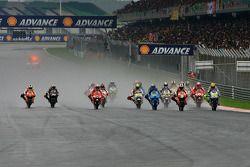 Start: Valentino Rossi, Fiat Yamaha Team and Dani Pedrosa, Repsol Honda Team battle for the lead