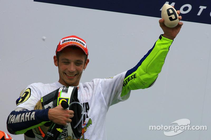 Podium: Derde plaats en 2009 MotoGP-kampioen Valentino Rossi, Fiat Yamaha Team viert zijn titel