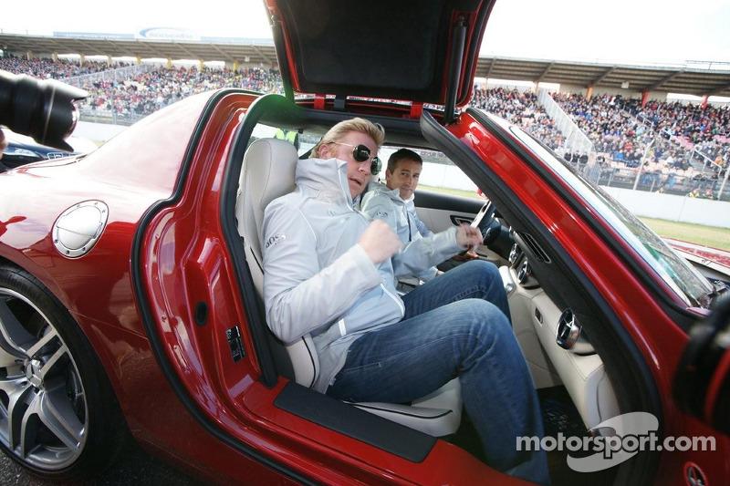 Boris Becker enters the new SLS AMG