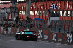 #1 Vitaphone Racing Team Maserati MC 12: Michael Bartels, Andrea Bertolini crosses the line in third place and takes the FIA-GT GT1 championship
