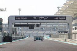Vue du départ du circuit d'Abu Dhabi Yas Marina