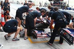 Changement d'aileron pour Mark Webber, Red Bull Racing