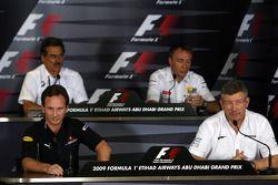 Christian Horner, Red Bull Racing, Dr. Mario Theissen, BMW Sauber F1 Team, , Bob Bell, Renault F1 Team, Ross Brawn Team Principal, Brawn GP