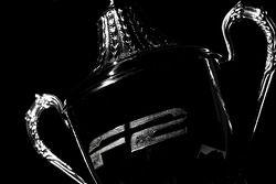 Le trophée du vainqueur en F2