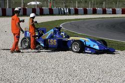 Jack Clarke spins in qualifying