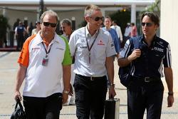 Martin Whitmarsh, McLaren, Chief Executive Officer, Adam Parr, Williams F1 Team