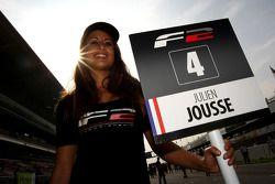 La pit girl de Julien Jousse