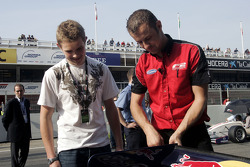 Richard Plant 2009 FPA Champion watches Robert Wickens on the grid