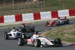 Nicola De Marco devant Alex Brundle