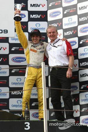 Tristan Vautier avec Jonathan Palmersur le podium