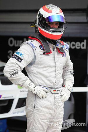 Dirk Muller va effectuer un arrêt aux stands
