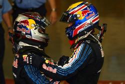 Ganador Sebastian Vettel, Red Bull Racing con segundo lugar Mark Webber, Red Bull Racing