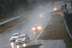 Jorg Muller, BMW Team Germany, BMW 320si et Kristian Poulsen, Liqui Moly Team Engstler, BMW 320si