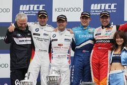 Podium: Andreas Bellu, Jorg Muller, BMW Team Germany, Andy Priaulx, BMW Team UK, Robert Huff, Chevro
