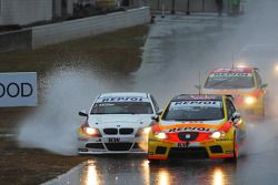 Crash de Jorg Muller, BMW Team Germany, BMW 320si et Tiago Monteiro, Seat Sport, Seat Leon 2.0 TDI