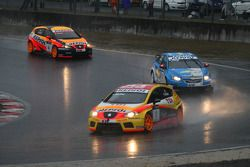 Yvan Muller, Seat Sport, Seat Leon 2.0 TDI and Alain Menu, Chevrolet, Chevrolet Cruze